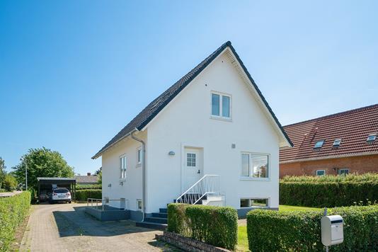 Villa på Fredensvej i Fuglebjerg - Set fra vejen
