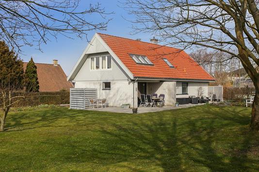Villa på Konge-Åsen i Skælskør - Set fra haven