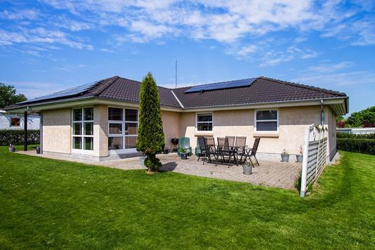 Villa på Dalsgårdsvej i Fuglebjerg - Ejendommen