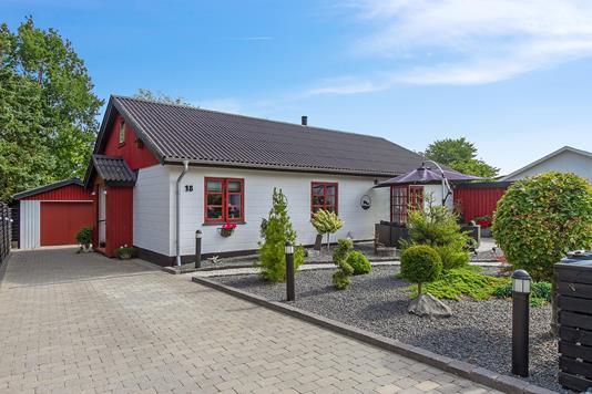 Villa på Tværvej i Fuglebjerg - Set fra haven