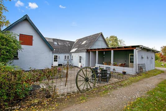 Landejendom på Storgårdsvej i Fuglebjerg - Ejendommen