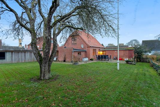 Villa på Fuglebjergvej i Fuglebjerg - Set fra haven