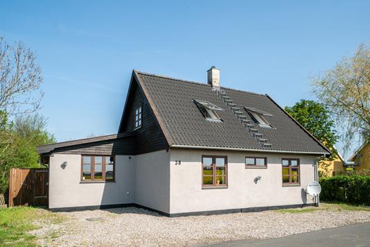 Villa på Bygaden i Dalmose - Set fra vejen