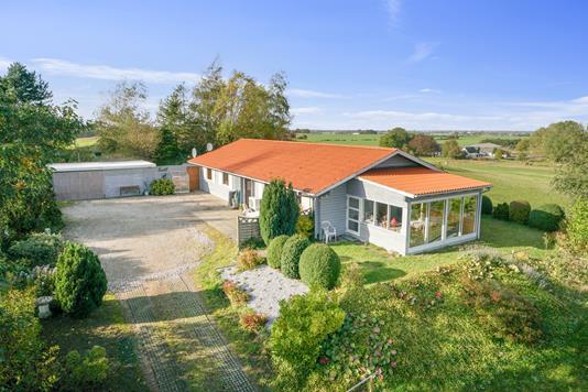 Villa på Erdrupvej i Boeslunde - Set fra haven