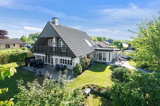 Villa på Højbakken i Haslev - Set fra haven