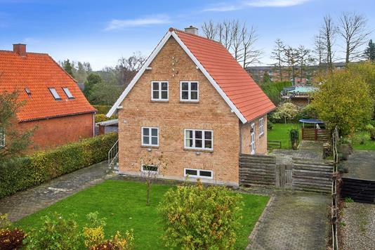 Villa på Themstrupvej i Haslev - Set fra haven