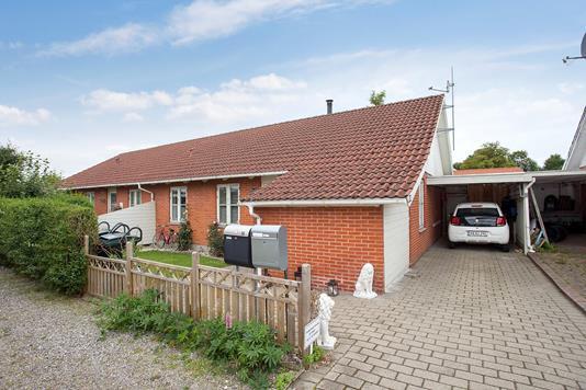 Villa på Ternesøparken i Haslev - Set fra vejen