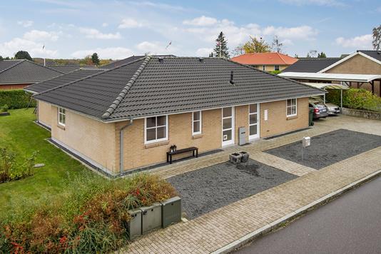 Villa på P. C. Davidsens Vej i Haslev - Ejendommen