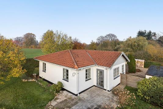 Villa på Bråbyvej i Haslev - Ejendommen