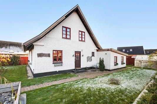 Villa på Mindevej i Haslev - Ejendommen