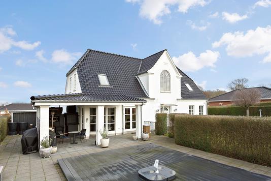 Villa på Hjortevej i Haslev - Ejendommen