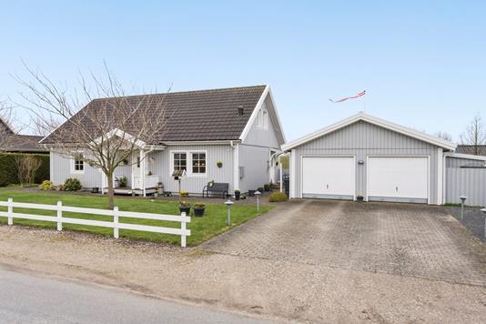 Villa på Førslev Skolevej i Haslev - Ejendommen