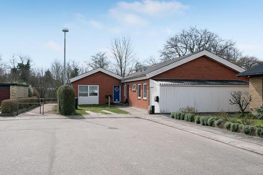 Villa på Nordahl Griegs Vej i Sønderborg - Ejendommen