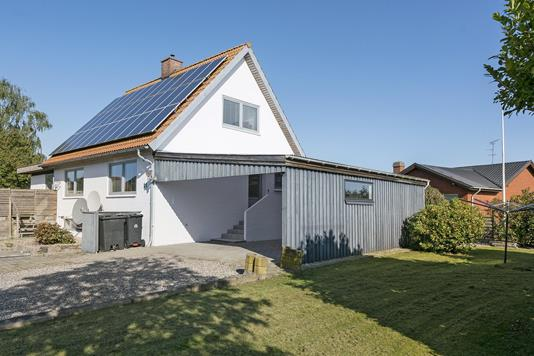 Villa på Gammel Skolevej i Sydals - Ejendommen