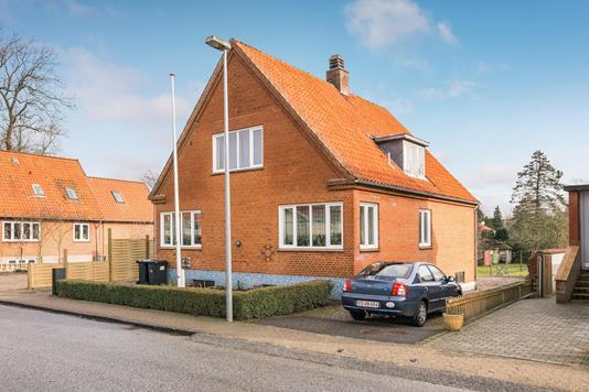 Villa på Osbækvej i Augustenborg - Ejendommen