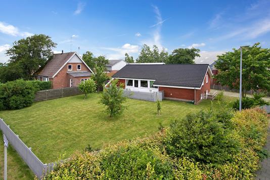 Villa på Damvej i Skærbæk - Set fra vejen