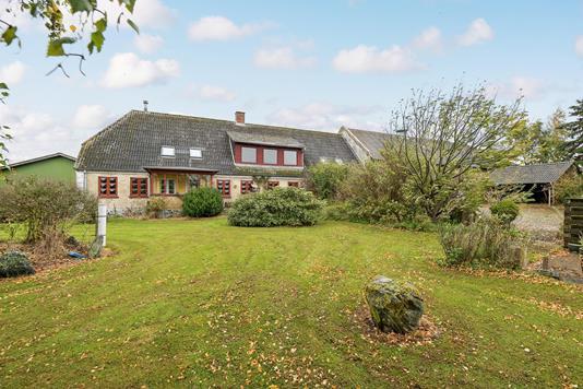 Villa på Sebbelev Bygade i Augustenborg - Ejendommen