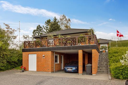Villa på Parkvej i Haderslev - Set fra vejen
