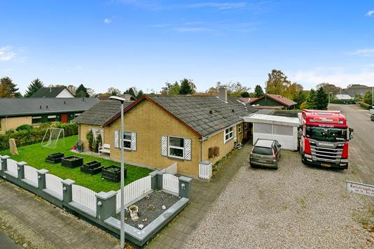 Villa på Kelstruphave i Haderslev - Set fra vejen