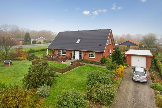 Villa på Brageslund i Vojens - Set fra vejen