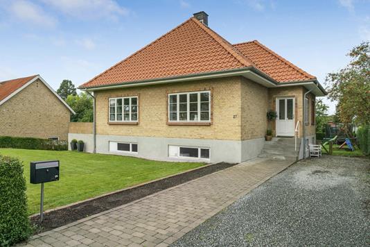 Villa på Kongensgade i Christiansfeld - Ejendommen