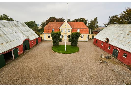 Landejendom på Øsby Søndergade i Haderslev - Mastefoto