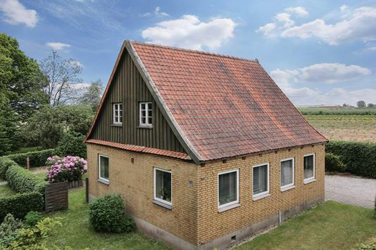 Villa på Ringkøbingvej i Varde - Ejendommen
