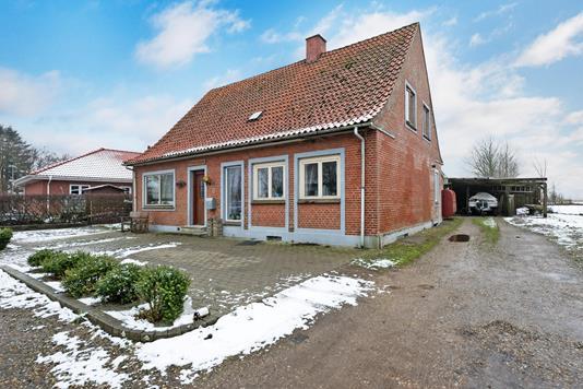 Villa på Engbakkevej i Varde - Ejendommen