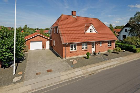 Villa på Hovedgaden i Varde - Ejendommen