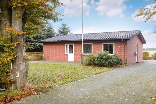 Villa på Vejlevej i Tistrup - Ejendommen