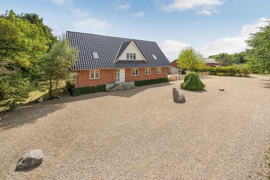 Villa på Elmelyvej i Tistrup - Ejendommen