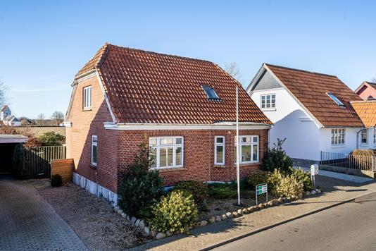 Villa på Adsbølvej i Ølgod - Ejendommen