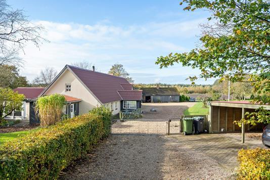 Villa på Letbækvej i Tistrup - Ejendommen
