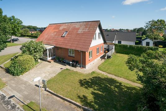 Villa på Kirkegade i Ikast - Ejendommen