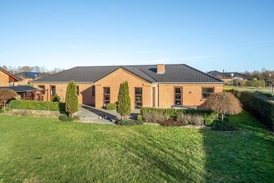 Villa på Carl Nielsens Vej i Ikast - Ejendommen