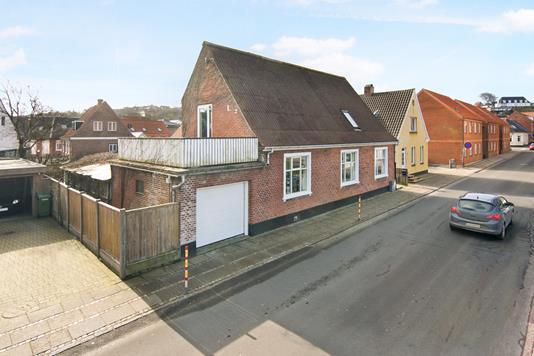 Villa på Bredgade i Lemvig - Ejendommen