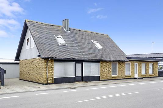 Villa på Bredgade i Thyborøn - Ejendommen