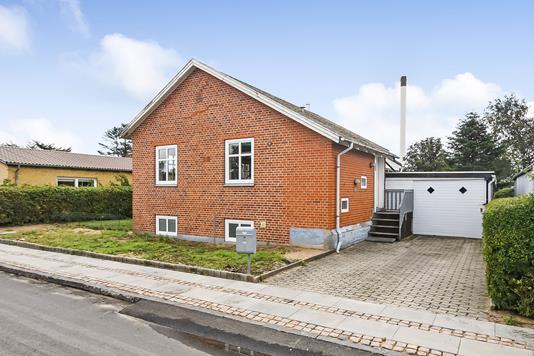 Villa på Kjærsvej i Vemb - Ejendommen