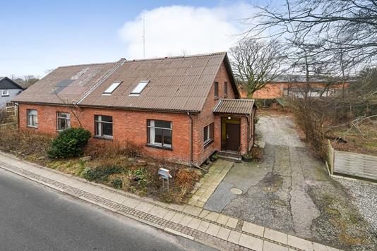 Villa på Præstegårdsvej i Vemb - Ejendommen