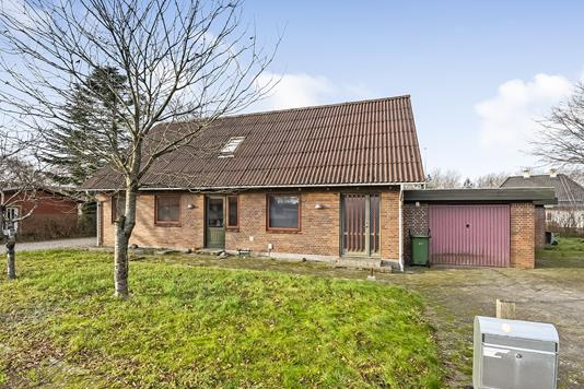 Villa på Skannerupvej i Tim - Ejendommen