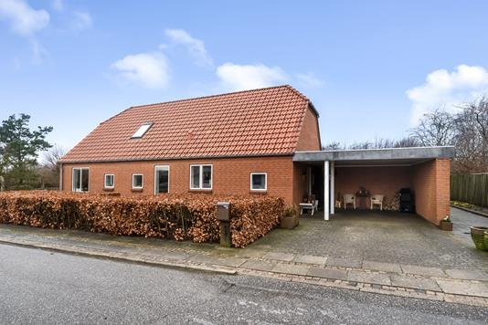 Villa på Dinesensvej i Vemb - Ejendommen