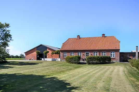 Landejendom på Sønderbyvej i Vemb - Ejendommen