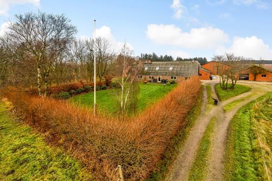 Landejendom på Madumvej i Ulfborg - Ejendommen