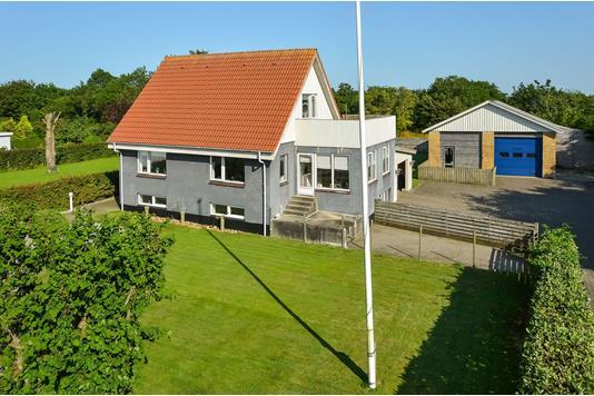 Villa på Østeralle i Videbæk - Ejendommen