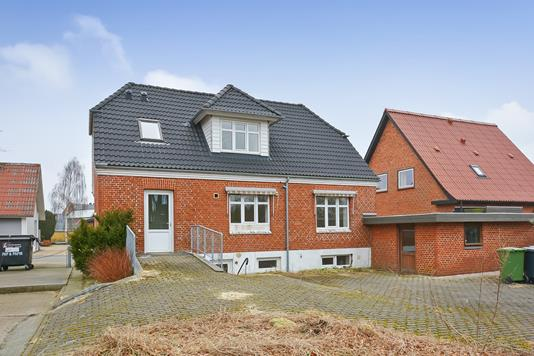 Villa på Hülkesvej i Videbæk - Ejendommen