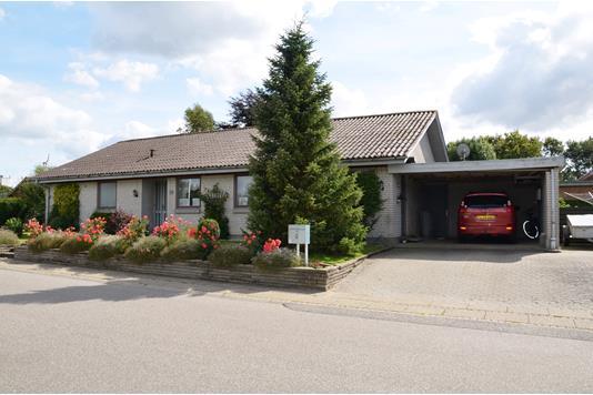 Villa på Åkæret i Spjald - Ejendommen