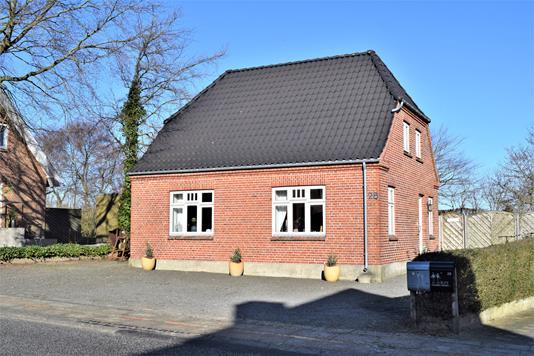 Villa på Kongevejen i Videbæk - Facade