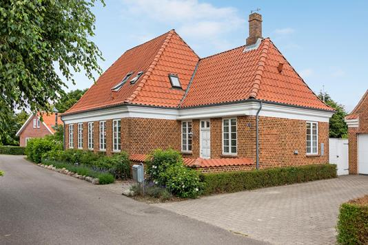 Villa på Kirkestrædet i Hemmet - Ejendommen