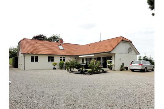Villa på Tøstrupvej i Tarm - Facade