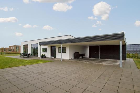 Villa på Knudmoseparken i Herning - Ejendommen